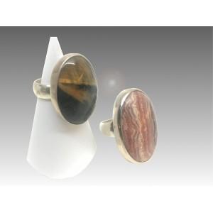 Anello ovale con pietra