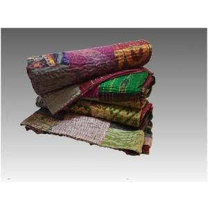 Copriletto patchwork in seta